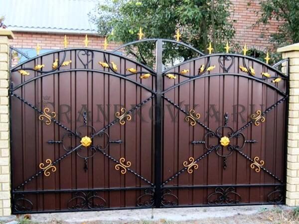 Фото кованых распашных ворот 176
