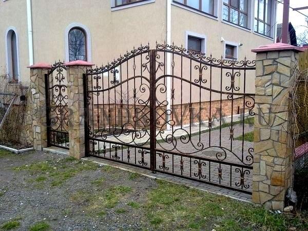 Фото кованых распашных ворот 178