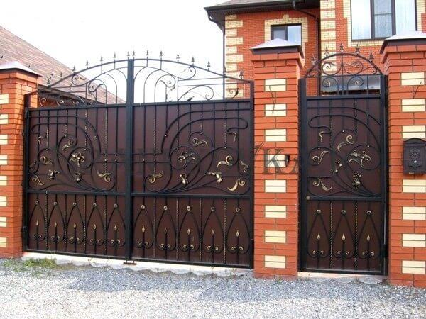 Фото кованых распашных ворот 18