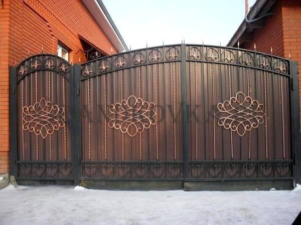 Фото кованых распашных ворот 180