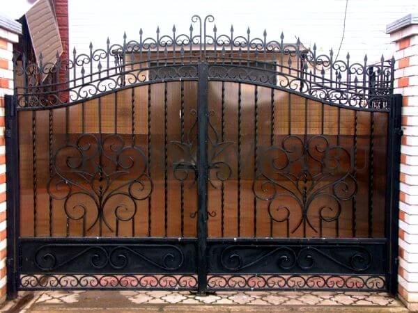 Фото кованых распашных ворот 182