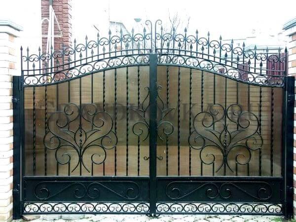 Фото кованых распашных ворот 183