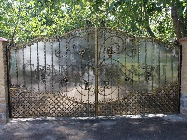Фото кованых распашных ворот 189