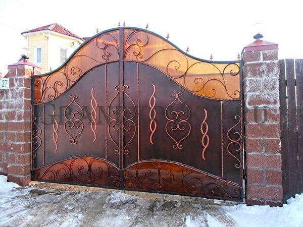 Фото кованых распашных ворот 19