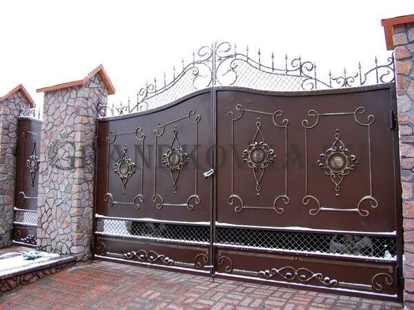Фото кованых распашных ворот 190