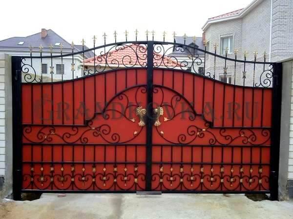 Фото кованых распашных ворот 196