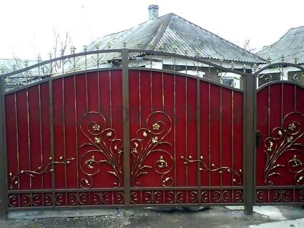 Фото кованых распашных ворот 197
