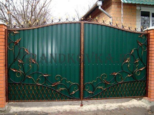 Фото кованых распашных ворот 199