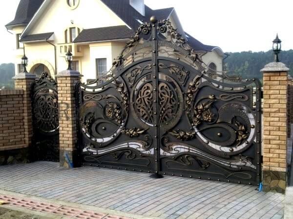 Фото кованых распашных ворот 2