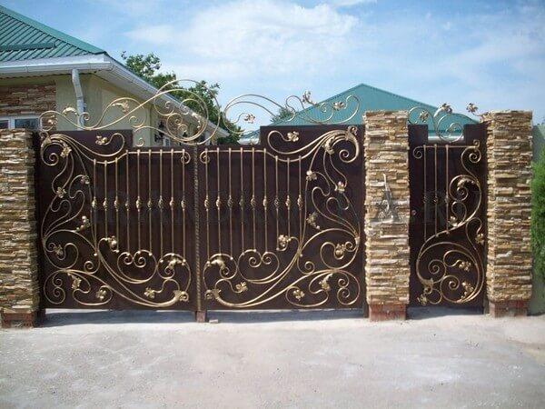 Фото кованых распашных ворот 20