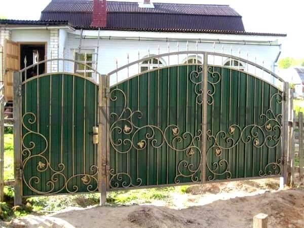 Фото кованых распашных ворот 200
