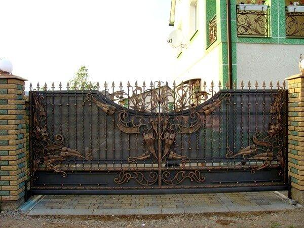 Фото кованых откатных ворот 205