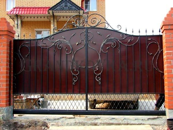 Фото кованых откатных ворот 208