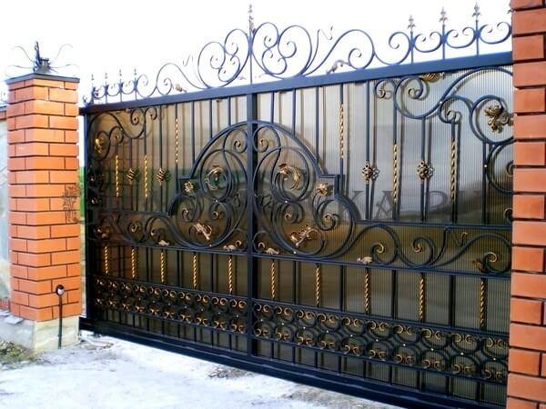 Фото кованых откатных ворот 210