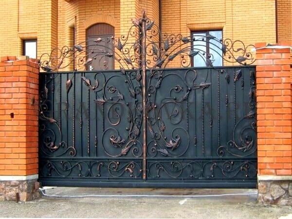 Фото кованых откатных ворот 211