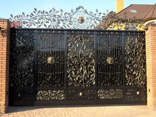 Фото кованых откатных ворот 212