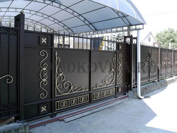 Фото кованых откатных ворот 215