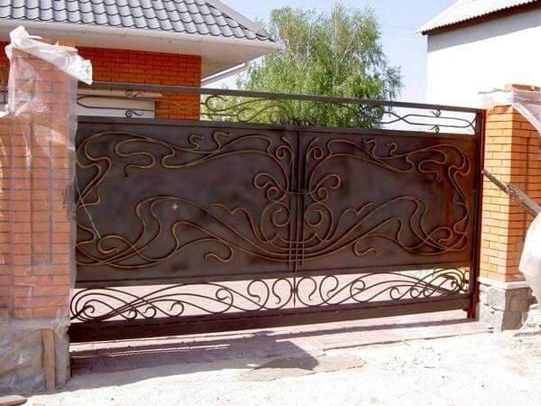 Фото кованых откатных ворот 219