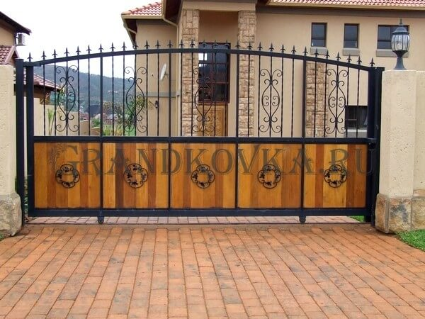 Фото кованых откатных ворот 220