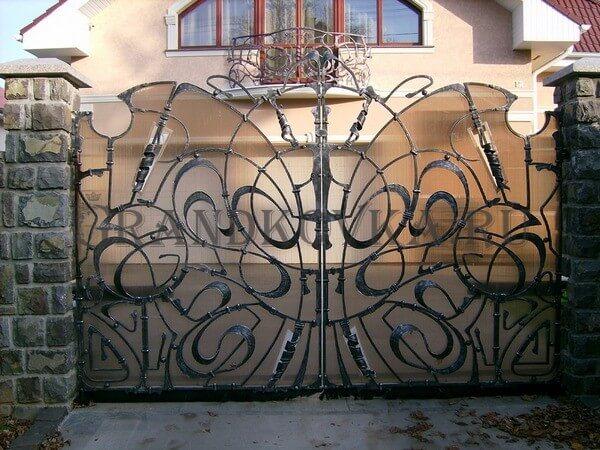 Фото кованых распашных ворот 24