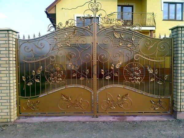 Фото кованых распашных ворот 25