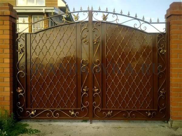 Фото кованых распашных ворот 26