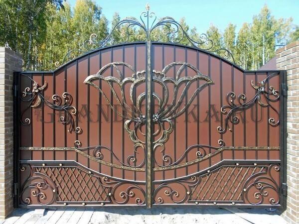 Фото кованых распашных ворот 28