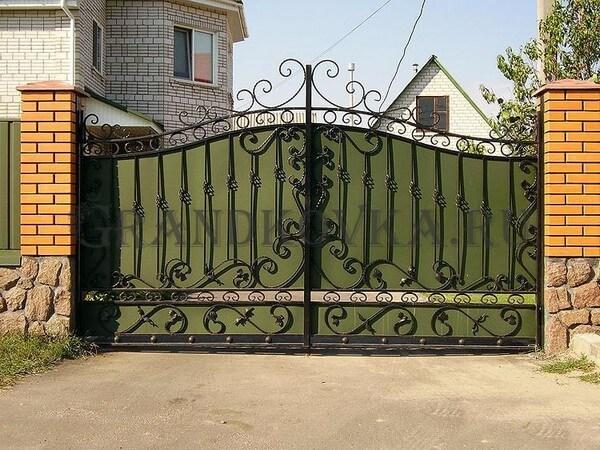 Фото кованых распашных ворот 30