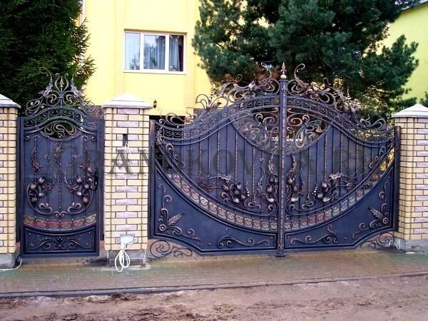 Фото кованых распашных ворот 33