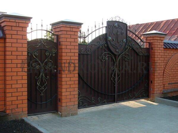 Фото кованых распашных ворот 34