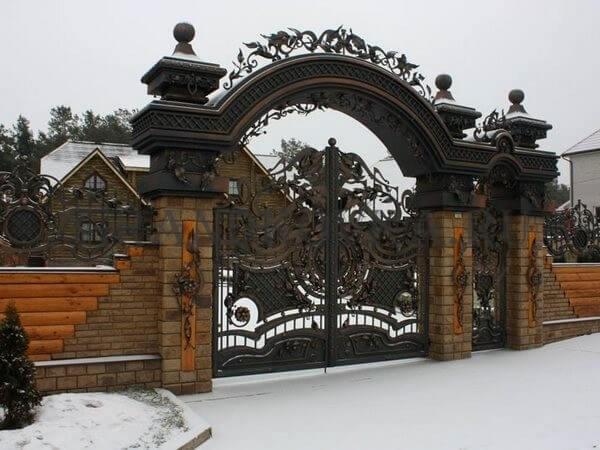 Фото кованых распашных ворот 35