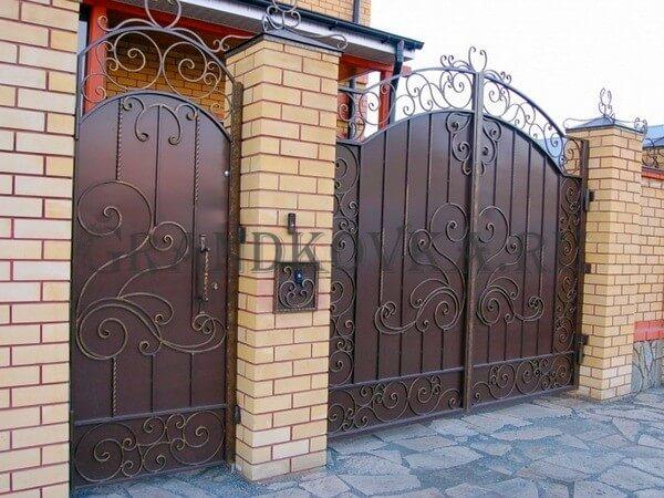 Фото кованых распашных ворот 39