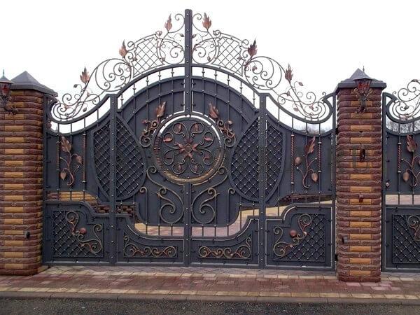 Фото кованых распашных ворот 4