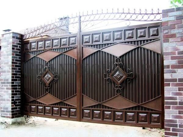 Фото кованых распашных ворот 43