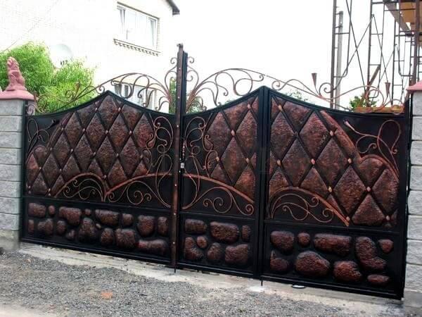 Фото кованых распашных ворот 44