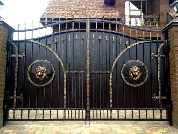 Фото кованых распашных ворот 47