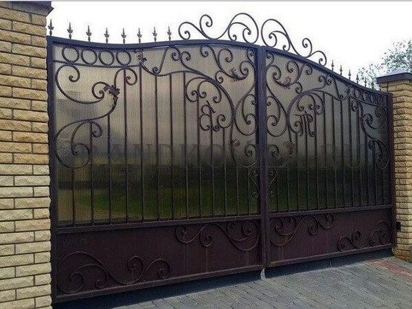 Фото кованых распашных ворот 57