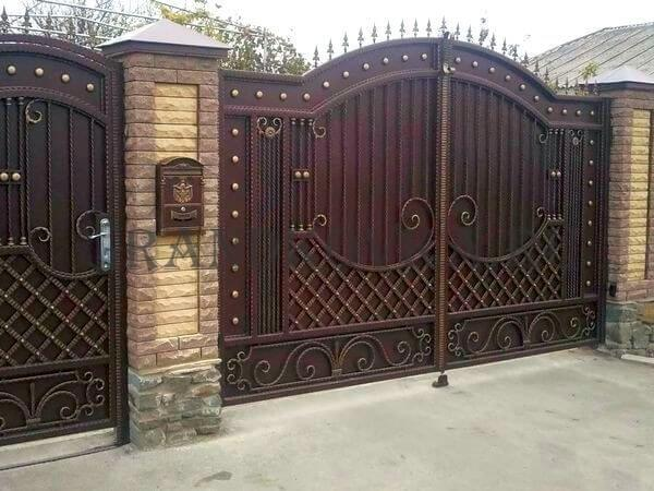 Фото кованых распашных ворот 58