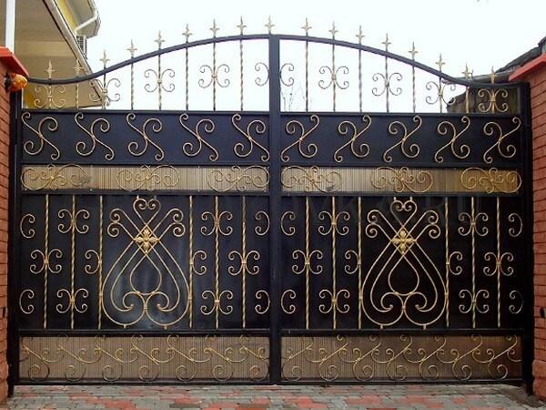 Фото кованых распашных ворот 6