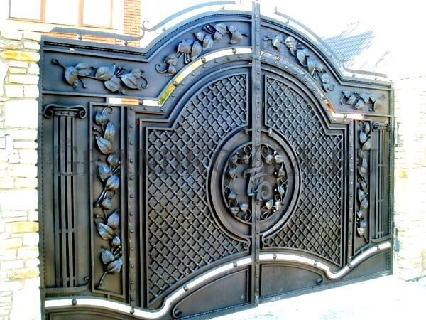Фото кованых распашных ворот 62