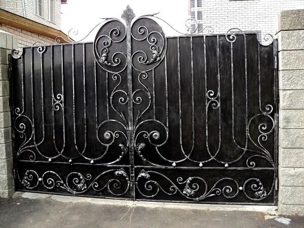 Фото кованых распашных ворот 63