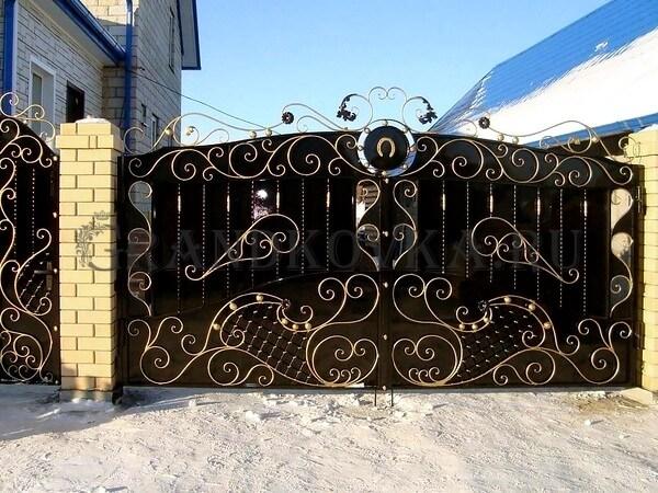 Фото кованых распашных ворот 66