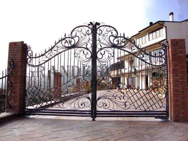 Фото кованых распашных ворот 72