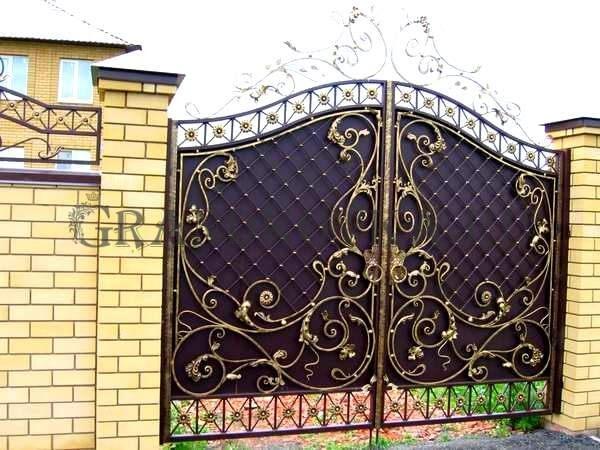 Фото кованых распашных ворот 87
