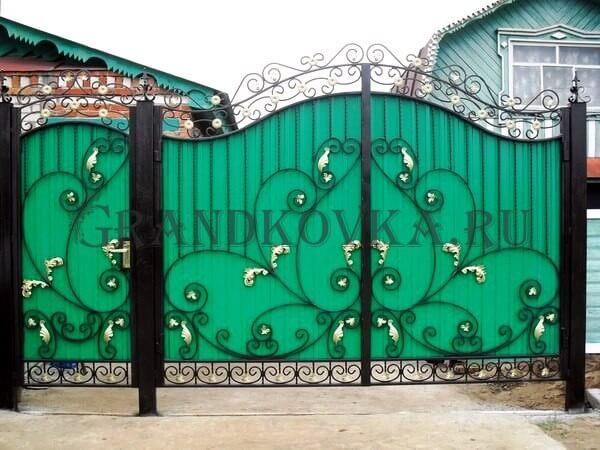Фото кованых распашных ворот 88