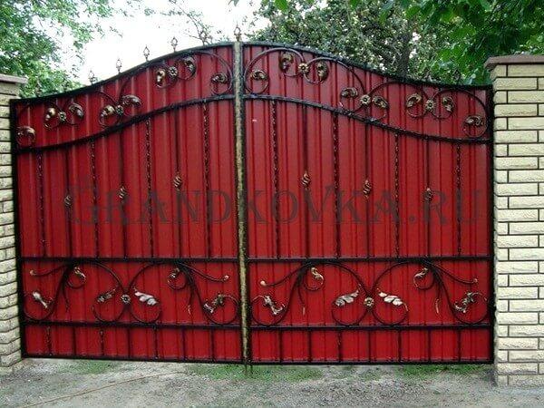 Фото кованых распашных ворот 93