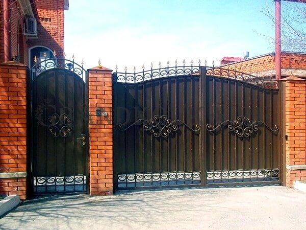 Фото кованых распашных ворот 98