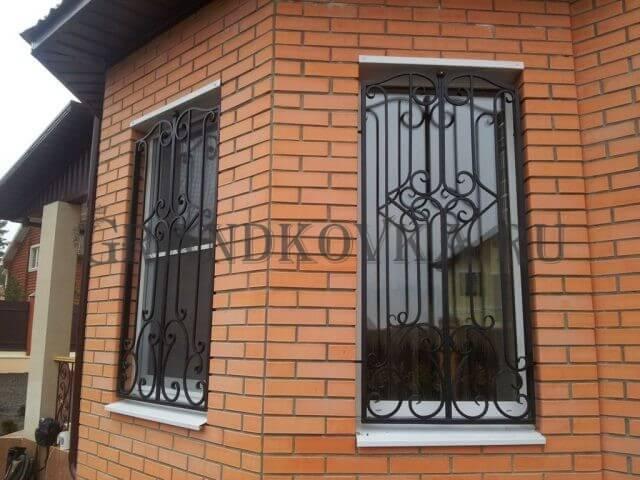 Кованая решетка на окна КРЕШ-44