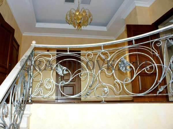 Фото ограждения для лестницы 7