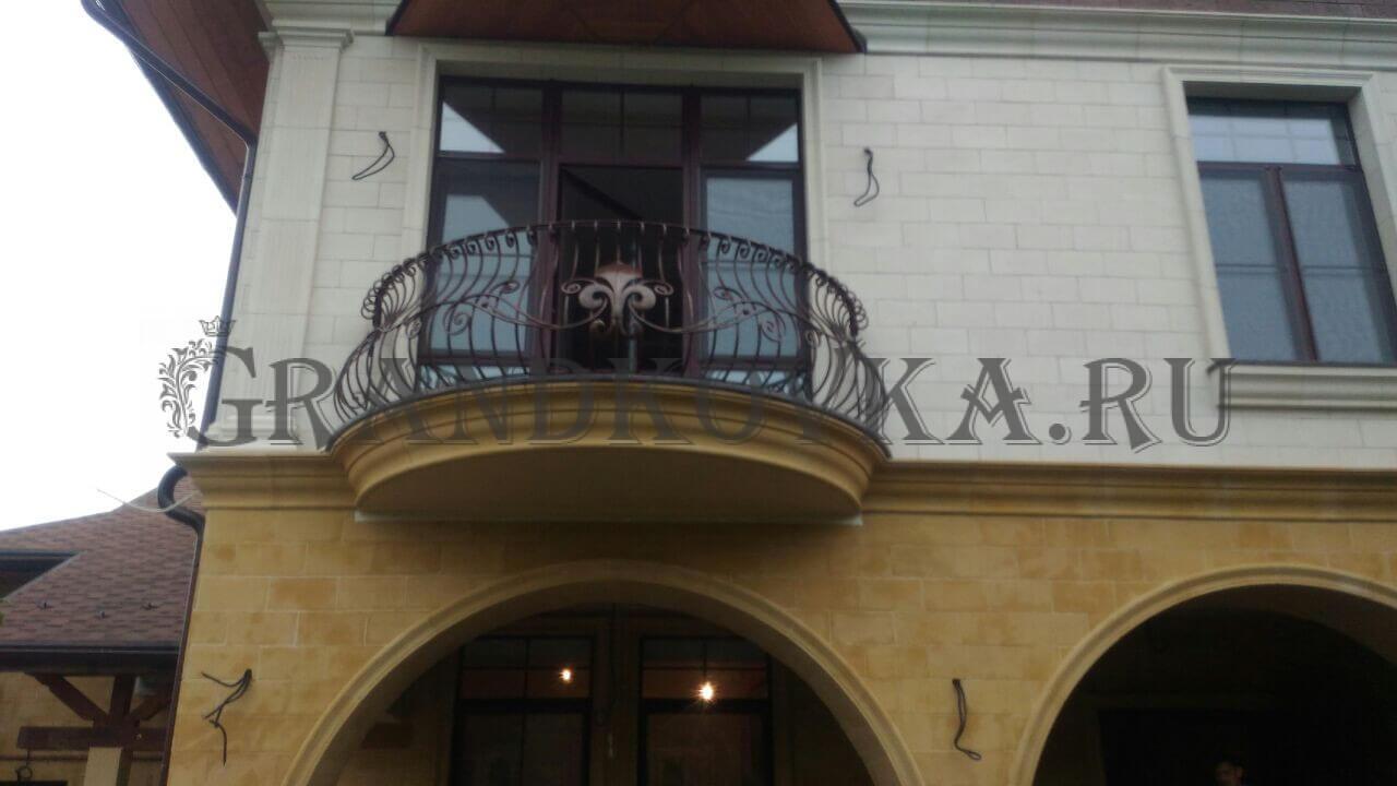Как выбрать кованые балконы
